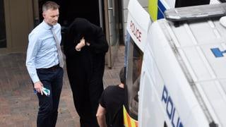 Polizei verhaftet 12 Personen