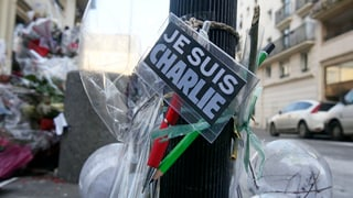 """Attatga sin """"Charlie Hebdo"""" schochescha l'entir mund"""