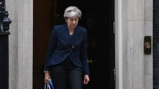 Theresa May schafft die erste Hürde