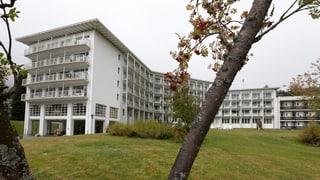 Milliardär Kühne kauft marode Hochgebirgsklinik in Davos