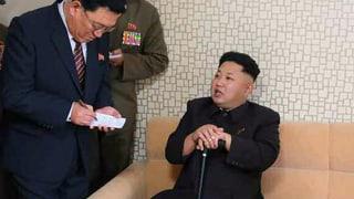 Lächelnd am Stock: Kim Jong Un wieder aufgetaucht