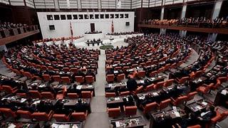 Streit um islamische Verfassung für die Türkei
