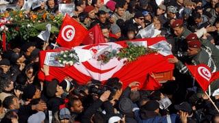 Belaïd-Trauerfeier treibt Tunesiens Massen auf die Strasse