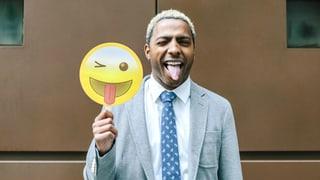Lachende, küssende und zwinkernde Smileys dominieren unsere Alltagskommunikation – und sie sorgen für Ängste. Droht unsere Sprache durch Emojis zu verkümmern?