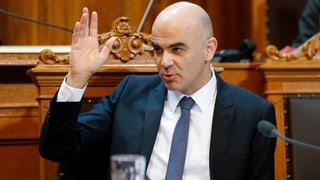 Der Gesundheitsminister krebst bei den Franchisen zurück