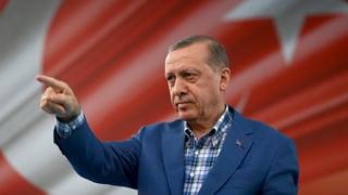 Türkei setzt fast 130'000 Staatsbedienstete vor die Tür