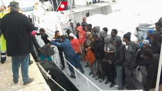 Hunderte Flüchtlinge vor Sizilien gerettet