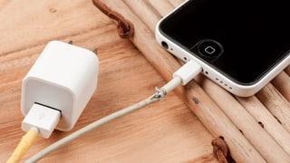 Die meisten Handy-Ladekabel taugen wenig
