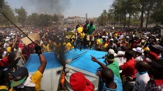 Wutentbrannte Studentenproteste in Südafrika: Zuma lenkt ein
