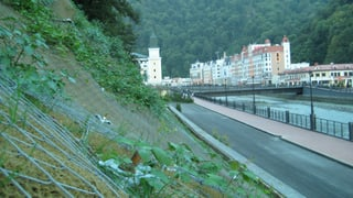 Schweizer Firma sichert rutschende Hänge in Sotschi