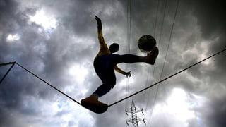 Fussball-Fieber: Brasilien balanciert nahe am Abgrund