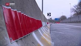 Astra stellt am Autobahnende wieder Betonelemente auf (Artikel enthält Video)