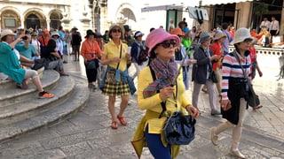 Video «Tourist go home! Europas Sehnsuchtsorte in Gefahr » abspielen