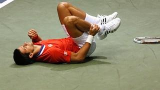 Verletzter Djokovic bangt um Start in die Sandsaison