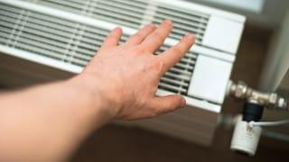 «Bestimmt der Abwart, wie warm es in der Wohnung ist?» (Artikel enthält Audio)