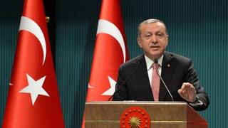 Smanatschas cunter adherents da Gülen en Svirza