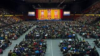 Dalai Lama in Basel: Kinder sollten Moral und Ethik lernen