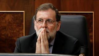 Rajoy klammert sich an die Macht, obwohl er keine mehr hat