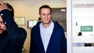 Nawalny nach 25 Tagen wieder frei