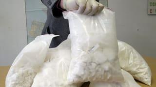 Wer schnupft eigentlich die fünf Tonnen Kokain, Herr Schütz?