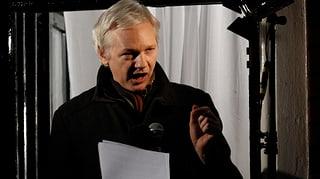 Snowden treibt Obama, sagt Assange