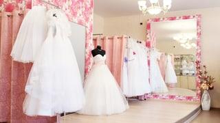 «Das Brautkleid gefällt mir nicht. Muss ich es trotzdem kaufen?» (Artikel enthält Audio)