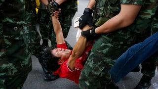Thailands Armee löst Senat auf