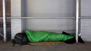 Stellt die Basler Notschlafstelle Obdachlose auf die Strasse?