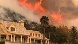 Wind facht Brände in Kalifornien weiter an