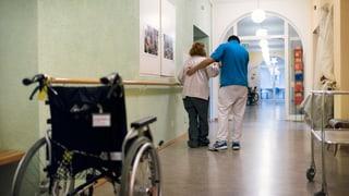 Den Glarner Pflegeheimen fehlt es an ausgebildeten Pflegefachkräften