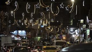 Muslime begehen weltweit den Ramadan