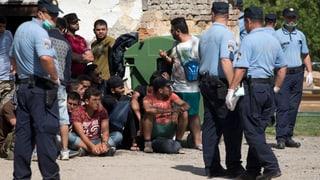 Umweg gefunden: Flüchtlinge passieren kroatische Grenze