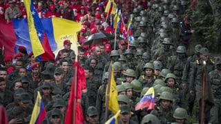 Venezuela zeigt sich martialisch und verteidigungsbereit