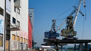Basel hat seinen Hafenkran wieder