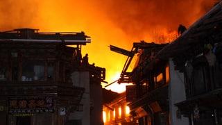 Tibetische Stadt wird Opfer der Flammen
