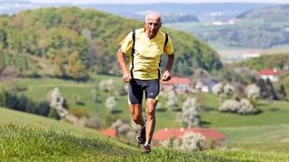 Video «Gesund und fit altern, Gesundheits-Apps, Winterzeit, «Hallo Puls»» abspielen
