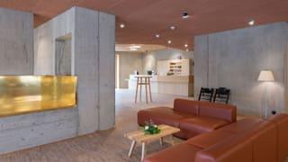 Designmöbel statt Wolldecken in Schweizer Jugendherbergen