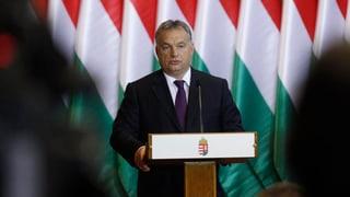 Flüchtlingsquote: Parlament lehnt Orbans Verfassungsänderung ab