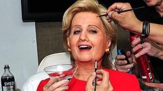 Hilloween: Welcher Popstar macht hier auf Clinton?