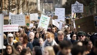Manifestaziuns en 20 citads – giuven e vegl sin via per il clima