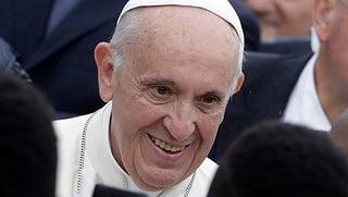 Bienvenido en Suiza papa Francisco