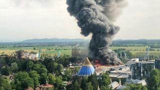 Sieben verletzte Feuerwehrleute nach Brand im Europa-Park