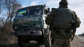 Ostukraine: Separatisten ziehen offenbar Waffen ab