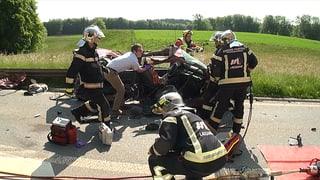 Abschleppdienste wollen keine Unfallautos transportieren