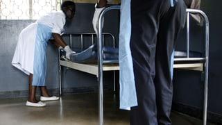 Weitere Ebola-Infektionen - Gewalttäter attackieren Ärzte