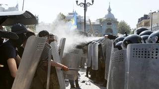 Tödlicher Tumult vor dem Parlament in Kiew