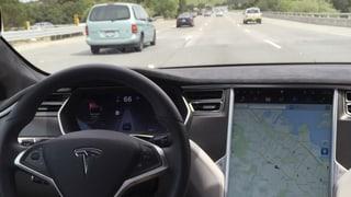 Tesla bestätigt weitere Unfälle mit dem «Autopilot»