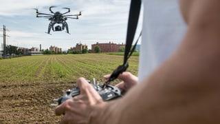 Wer mit Mini-Drohnen fotografiert, braucht bald eine Bewilligung