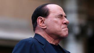 Berlusconi klammert sich an die Macht