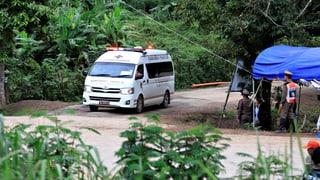 Tailanda: Tut ils buobs e lur trenader spendrads
